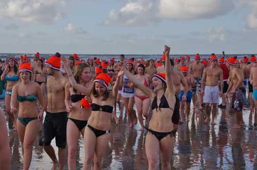 nieuwjaarsduik 2013 in zandvoort